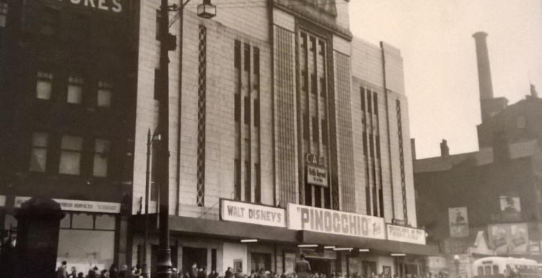 Queues forming for the 1940 screening of Pinocchio